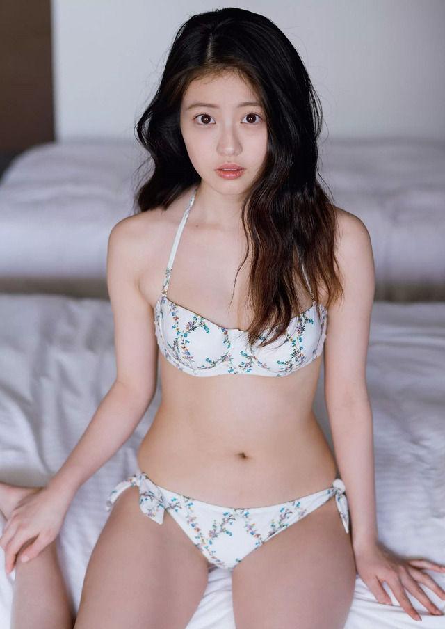 今田美桜 グラビア 水着