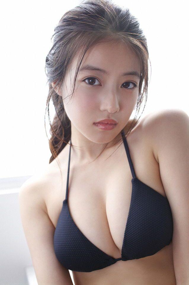 今田美桜 グラビア